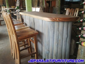 Meja Bar Kayu Trembesi